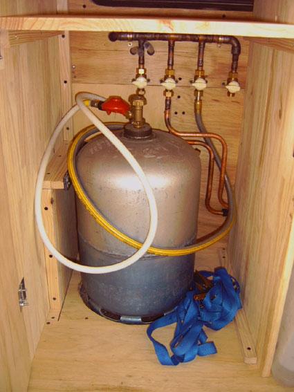 comment changer un chauffe eau comment changer un chauffe eau comment changer un chauffe eau. Black Bedroom Furniture Sets. Home Design Ideas